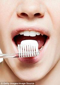 Стоит ли покупать дорогую зубную пасту? (Breath Plus и Theodent)
