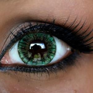 Контактные линзы, увеличивающие глаза