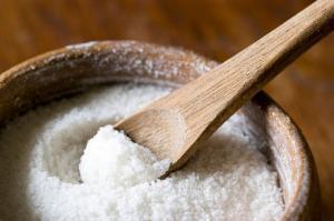 Соль защищает  от бактерий и инфекций