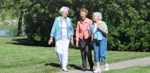 Медленный темп ходьбы – знак приближающейся болезни Альцгеймера?