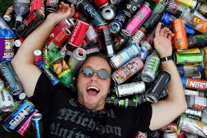 Энергетические напитки: стоит ли злоупотреблять?