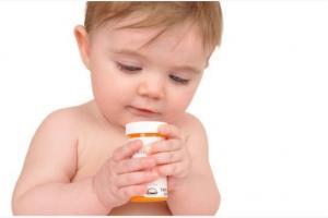 Особенности отравления медикаментами грудных детей