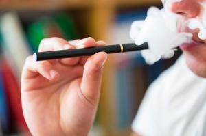 Электронные сигареты помогли 22,000 британцев бросить курить