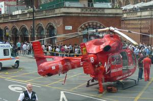 Впервые в мире: на воздушной скорой помощи Лондона будут возить ручной томограф