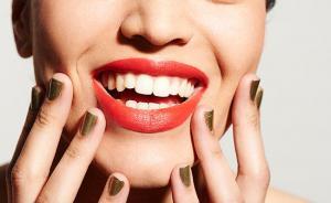 Лень пользоваться зубной нитью? Начните делать это!