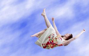 Почему иногда во сне Вы чувствуете, как будто падаете с высоты?