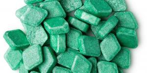 Lush выпустили первые в мире таблетки для полоскания рта: да, они выглядят как мини-бомбы для ванны!