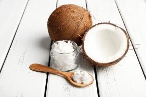 7 полезных свойств кокосового масла
