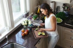 Как научиться относиться к потреблению пищи как к акту любви к себе, или почему надо кормить себя с любовью