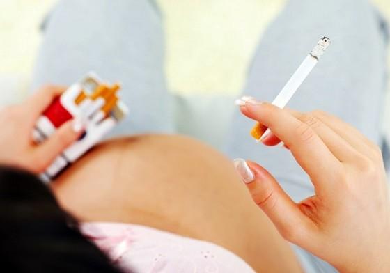 курение во время беременности фото