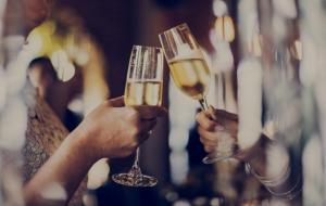 Праздник к нам приходит: 3 простых способа уменьшить негативное влияние алкоголя на ваш организм