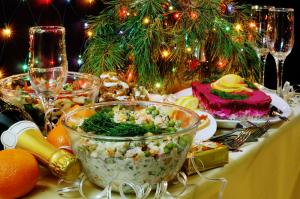 Рождественские застолья: вот что происходит с вашим телом, когда вы переедаете