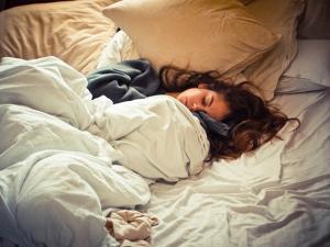 Говорите во сне? Вот, что это на самом деле значит