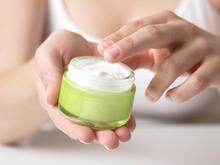 Неконтролируемое применение местных гормональных препаратов на область кожи лица, грозит появлению периорального дерматита