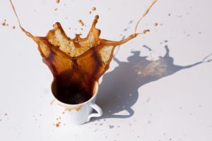 Самый исчерпывающий обзор о безопасности кофеина: 4 чашки кофе в день – безопасная норма… возможно