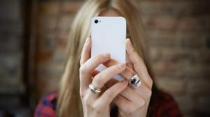 Как голубой свет от вашего телефона и компьютера может вредить вашим глазам и как это исправить