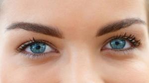 7 вещей, которые никогда не стоит делать с глазами