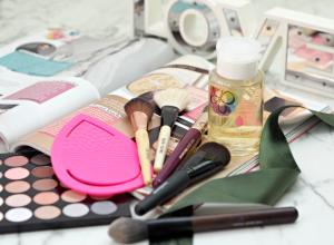 Простые и эффективные способы очистить кисти и инструменты для макияжа