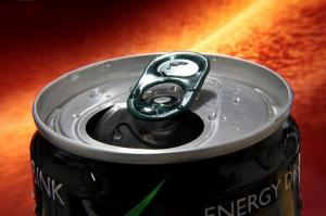 Жена заявляет, что энергетики оставили дыру в черепе мужа