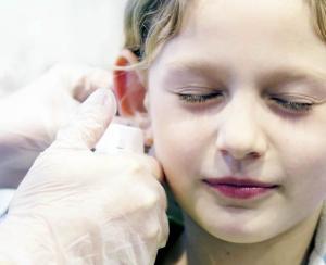 Как проколоть ухо в домашних условиях?