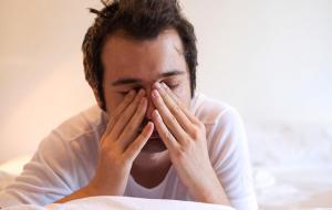 Все еще нажимаете «отложить» на будильнике?  Узнайте, как это разрушает ваш организм