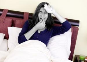 Агранулоцитарная ангина — один из симптомов агранулоцитоза