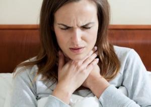Боль в горле при грибковой ангине