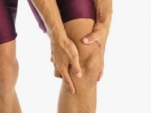 Почему болят вены под коленом сзади и как лечить варикоз под коленом