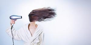 Выпадение волос: почему оно происходит и как его остановить?