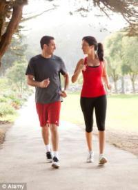 Долгие прогулки полезнее тренажеров