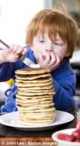 Детское ожирение провоцируют привычки родителей